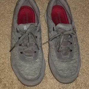 Grasshopper tennis shoes
